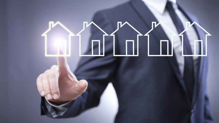 visuel representant agent immobilier et digital